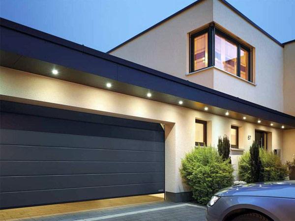 portoni-per-garage-in-alluminio-pvc-modena